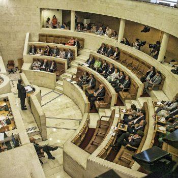 Cantabria acuerda con los bancos facilitar préstamos para anticipar las prestaciones de ERTE